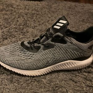 Adidas Alpha Bounce Shoes Size 10